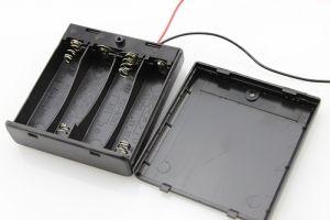 Custodia per 4 batterie AA con interruttore ON/OFF